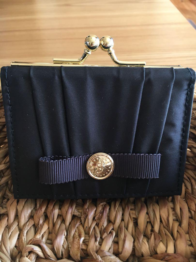 bad7368c1304 メルカリ - 専用 【折り財布】 (¥1,500) 中古や未使用のフリマ