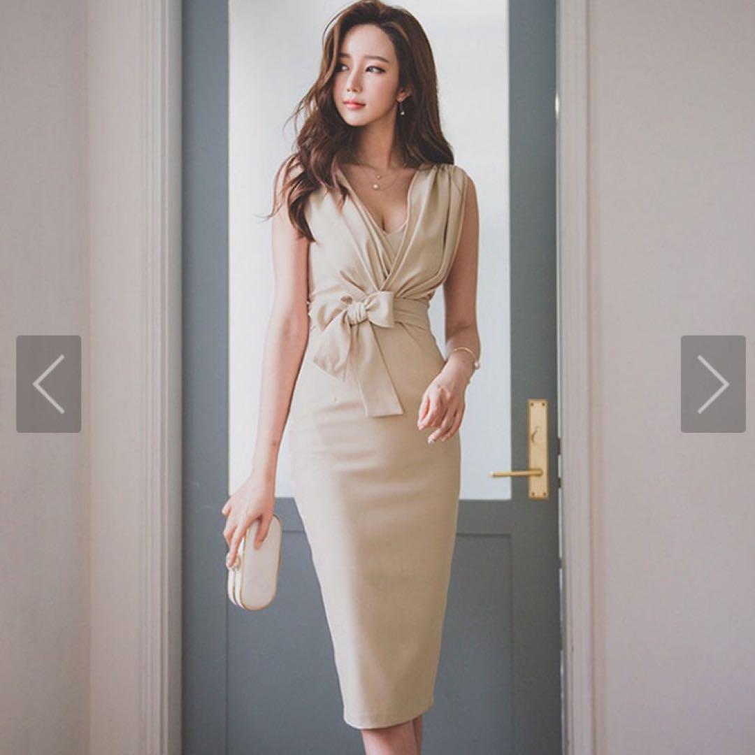 【新品未使用】【値下げ】ノースリーブVネックウエストリボンドレス