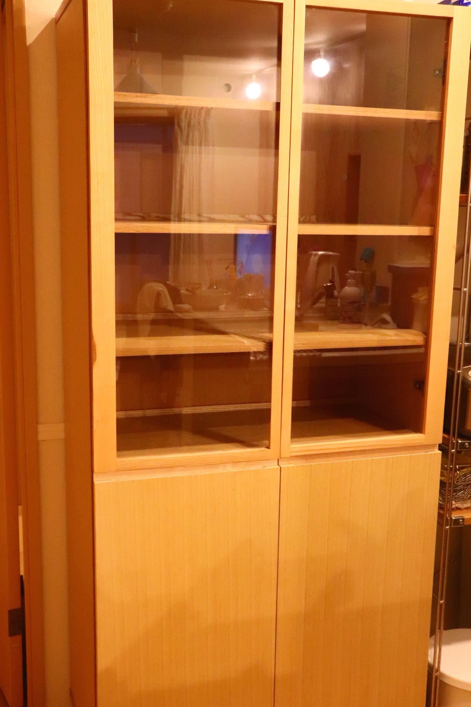 無印良品 ウォールナット食器棚の画像