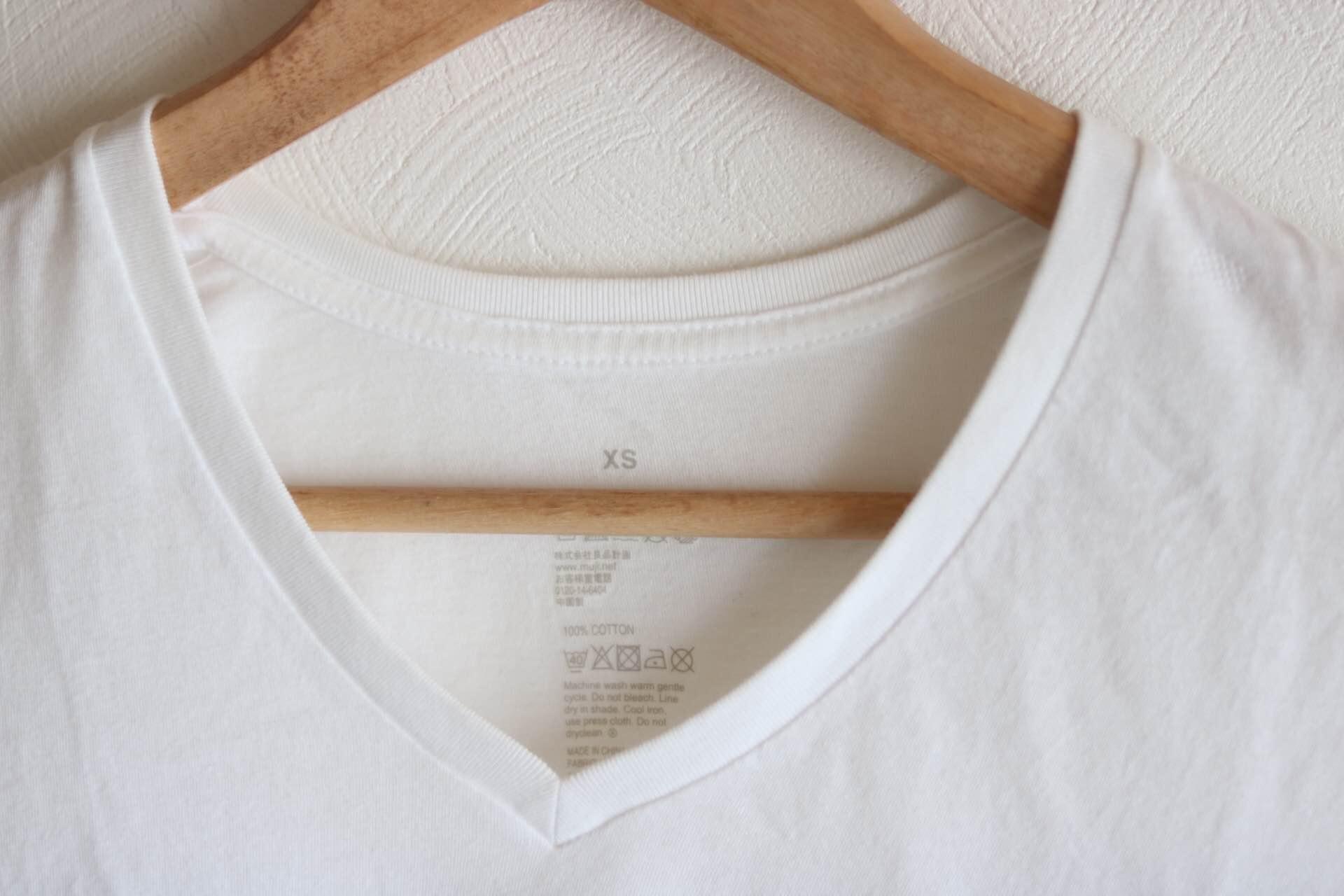 無印良品 VネックTシャツ2枚組