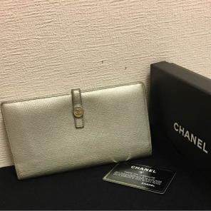 5336fe1712e3 シャネル 二つ折り 財布で検索した商品一覧 -メルカリ スマホでかんたん ...
