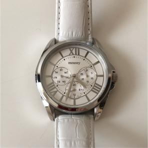 a215d56adf MOUSSY 時計商品一覧 (3 ページ目) - メルカリ スマホでかんたん ...