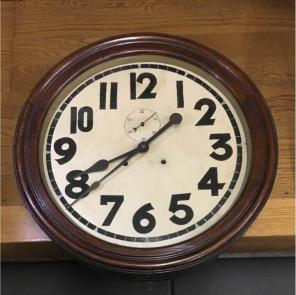 幅34cm壁掛け時計ブラック レトロ調アンティークデザインウォールクロックレトロ丸時計 インダストリアルデザイン ...