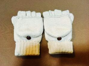 無印良品 ニットミトン 手袋 指先(親指も)カバー付き ボタンがキュート!