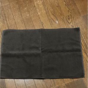 大きさ的にバスマットには出来そうにないのでやはり雑巾でしょうか。 まだ試してみた事がないのでいずれハサミを入れる瞬間がちょっと楽しみ。